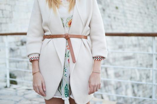 Formal-People-Model-Belt-Fashion-Accessory-Woman-2591863.jpg